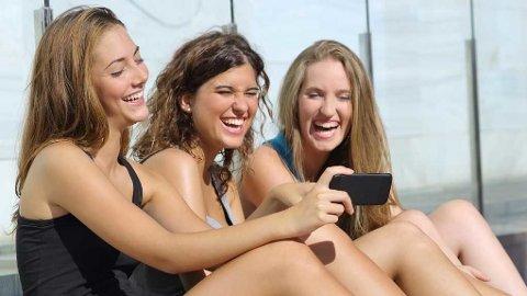 «En av grunnene til at tenåringer er så aktive brukere av sosiale medier, kan være at de er så sensitive til liking av bilder.»