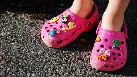 CROCS er populære sko for både store og små.