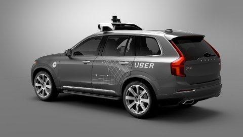 SELVKJØRENDE: Slik vil den se ut, Ubers selvkjørte Volvo, som ifølge selskapene skal prøves ut i Pittsburgh i løpet av noen uker.