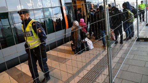 MALMÖ, SVERIGE: EU-kommisjonen anbefaler å forlenge grensekontrollen med tre måneder. Her fra malm'ø i Sverige tidligere i år.