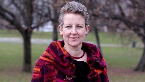 Psykolog Anne Kristine Bergem mener voksne bør droppe alkoholen når det er små barn tilstede.