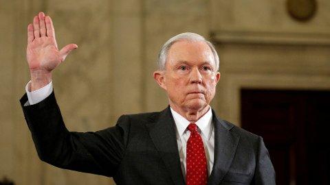 FORTALTE IKKE OM RUSSERKONTAKT: På direkte spørsmål fortalte ikke senator Jeff Sessions om sin kontakt med den russiske ambassadøren under valgkampen.