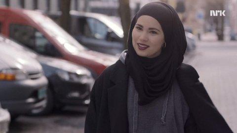 Sana i første episode av siste sesong av Skam.