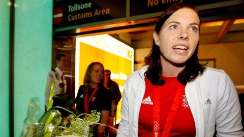 SØRLIE LYBEKK: Den tidligere håndballstjernen Else-Marthe Sørlie Lybekk kan bli den nye generalsekretæren i Norges idrettsforbund. Her fra Gardermoen i 2008, etter at håndballjentene tok OL-gull.