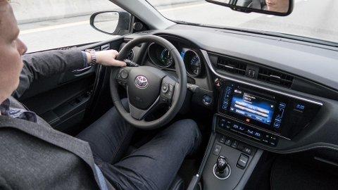 Hybridbiler blir ikke så mye dyrere neste år som planlagt, mens dieselbiler er den store vinneren.