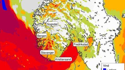 OBS-VARSEL: Store deler av landet opplever mye vær disse dager.
