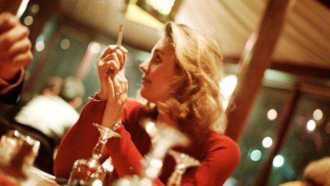 FESTRØYKING: Festrøykere har 38 prosent høyere risiko for å dø i løpet av 15 år enn de som aldri tar seg en røyk.