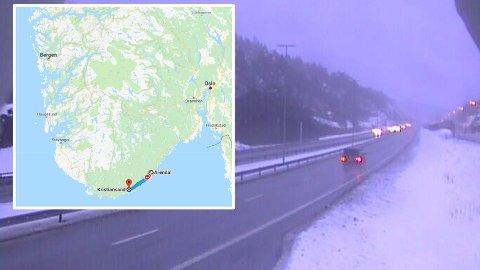 Strekningen fra Kristiansand til Arendal er 6,6 mil og tar litt under en time å kjøre. Dette bildet er fra E18 Studevann mellom Kristiansand og Arendal.