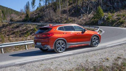 X2 er en mer sporty utgave av den lille SUV-en X1 - og er et svært hyggelig bekjentskap.