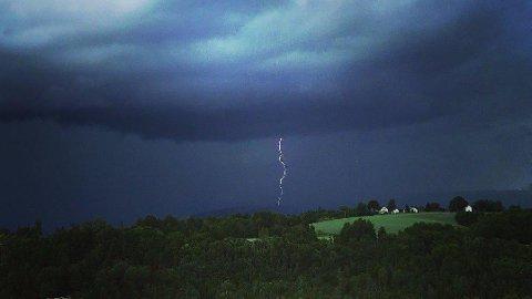 - Det er muligheter for torden i hele Sør-Norge, melder meteorologene.