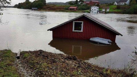 Gjensidige har registrert rundt 80 skader som følge av vann og lyn sist helg.