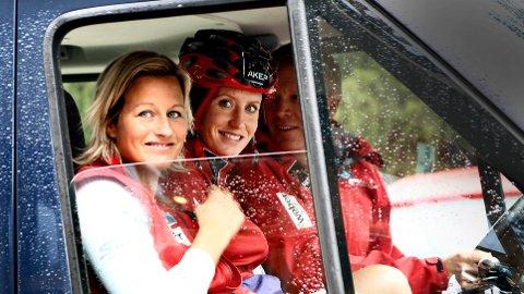 I SORG: Marit Bjørgen (til høyre) sørger etter Vibeke Skofteruds bortgang. Her er de avbildet på vei til høydetrening i Seiser Alm i Italia i august 2012.