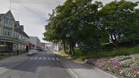 KLAPSET: Det var her i Storgata i Harstad at en kvinne ble klapset til av en annen kvinne tidligere i sommer.
