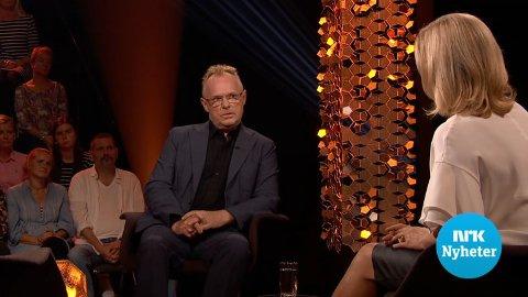 - Det er en kampklar og tidvis sint Per Sandberg som stiller hos «Lindmo» på NRK1 i kveld, melder NRK på sin nettside.