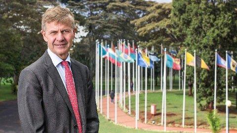 FØRSTEKLASSES: FNs klimasjef Erik Solheim reiser verden rundt på første klasse.