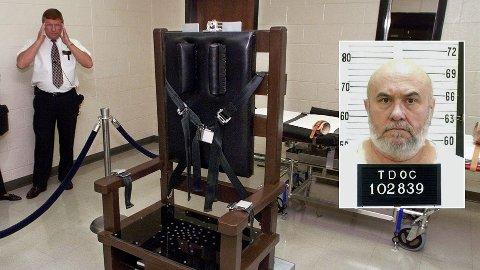 Fengselsvokter Ricky Bell ved Riverbend Maximum Security Institution i Nashville viser fram fengselets henrettelseskammer med en elektrisk stol. Edmund Zagorski (63) skal etter planen henrettes i stolen 1. november. Bildet av den elektriske stol er fra 1999.