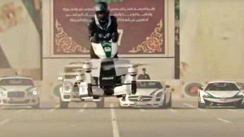 FLYVENDE POLITI: I fremtiden vil Dubai-politiet kjøre rundt på «flyvende motorsykler»