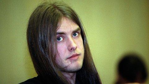 """Varg Vikernes, også kalt """"Greven"""", ble tiltalt og dømt for drapet på Øystein Aarseth og fire kirkebranner, 21 år gammel."""