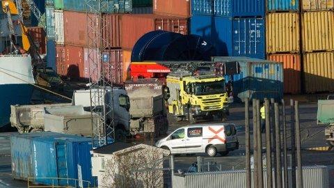 ARBEIDSULYKKE I DRAMMEN: En mann er kritisk skadet etter en arbeidsulykke på Holmen i Drammen.