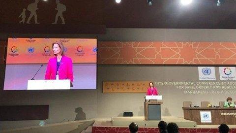 Statssekretær Marianne Hagen holder det norske innlegget på FNs migrasjonskonferanse i Marrakech.