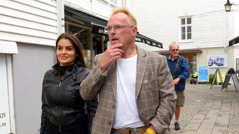 Per Sandberg sammen med sin norsk-iranske kjæreste Bahareh Letnes i Mandal. Foto: Espen Sand / NTB scanpix