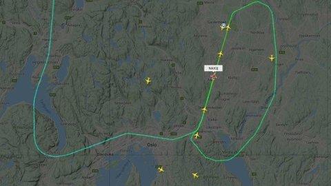 EKSTRA RUNDE: Et Norwegian-fly fra Trondheim valgte å ikke lande på første forsøk i kveld.
