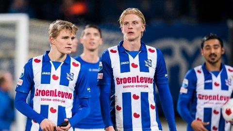 GAMLE LAGKAMERATER: Morthen Thorsby (th.) og Martin Ødegaard spilte sammen i nederlandske Heerenveen forrige sesong. Nå ser det ut til at Thorsby kan forsvinne fra den nederlandske toppklubben.
