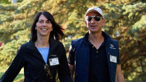 EKTEPARET MacKenzie og Jeff Bezos.