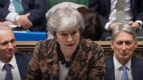 Den britiske statsministeren Theresa May orienterte parlamentsmedlemmer i Underhuset mandag om sin plan B for Brexit. May står blant annet fast ved at hun ikke vil ha noen ny folkeavstemning om EU-medlemskap