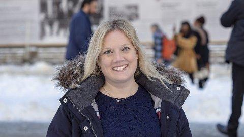 Aina Stenersen (FrP) ønsker spesielle barnevernsinstitusjoner med bevegelsesfrihet for unge som begår alvorlig kriminalitet.