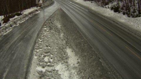 EKSTREMT: Strøbilene skal slite med å komme seg i mål med veiene i Fauske.