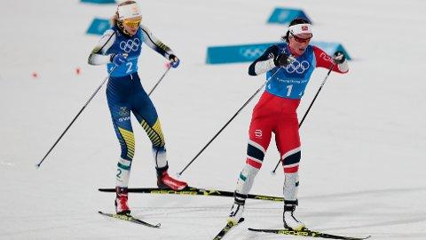 Marit Bjørgen knuste Stina Nilsson med et rykk i den siste bakken under OL-stafetten Pyeongchang i fjor. Sverige stiller med et enda bedre lag under VM-stafetten i Seefeld torsdag.