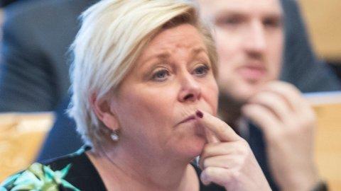 Frp-leder Siv Jensen sier 85 prosent av økningen i barnefattigdom i Norge skyldes innvandring. Hun mener venstresiden bevisst velger å overse dette.