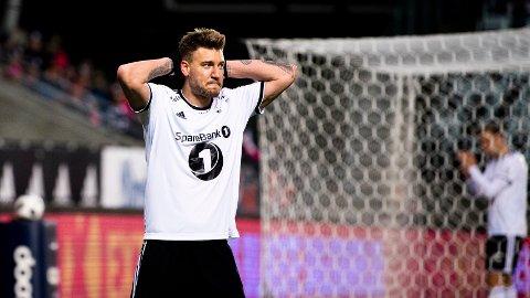 TILBAKE: Nicklas Bendtner er tilbake i Rosenborg etter å ha sonet fengselsdommen. Likevel gjør manglende kampform og en liten skade at dansken ikke er aktuell fra start mot rivalene fra Bergen.