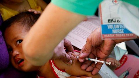 VAKSINEMANGEL: Hundrevis av barn er døde av meslinger på Madagaskar på grunn av mangel på vaksiner og fordi folk ikke har råd til å vaksinere barna.