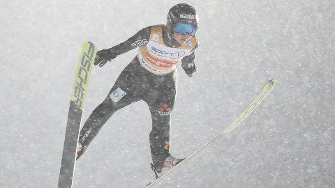 TRIUMFERTE: Maren Lundby på vei mot seier i kvinnenes verdenscuprenn i Lillehammer tirsdag.