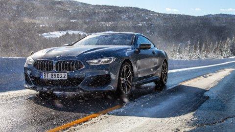 FLAGGSKIP: BMWs nye 8-serie er en kombinasjon mellom en grand tourer og sportsbil, og er på mange måter en nytelse å kjøre.