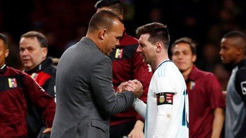 SLO MESSI: Rafael Dudamel ledet Venezuela til seier mot Argentina og Lionel Messi. Etter kampen tilbød Dudamel seg å trekke seg fra jobben.