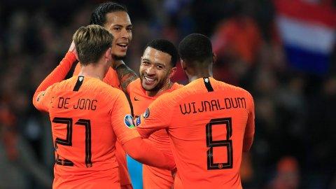 Nederland er i slaget for tiden, og trenger en opptur når det gjelder kvalifisering til mesterskap. I kveld skal de tukte Tyskland på hjemmebane.