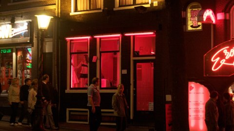 FORBUDT: Nå vil guidede-turer i det beryktede Red Light-distriktet bli forbudt.