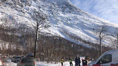 SNØSKRED: To personer er savnet etter et snøskred ved Durmålstinden i Sørfold.
