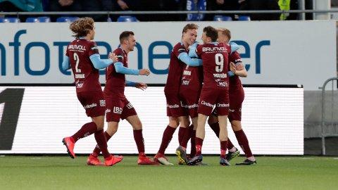 ØDELA FESTEN: Magnus Eikrem scoret og sikret poeng for Molde mor Sarpsborg.