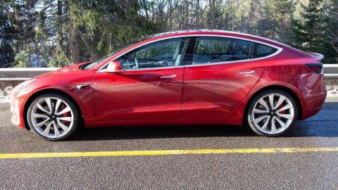 Tesla Model 3 har gjort en svært høylytt entre på det norske markedet. Rekorden den satt i mars vil trolig bestå i mange år.