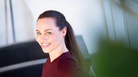 ADVARER: Cecilie Tvetenstrand sier du for all del ikke bør ta opp forbrukslån for å dekke baksmellen.