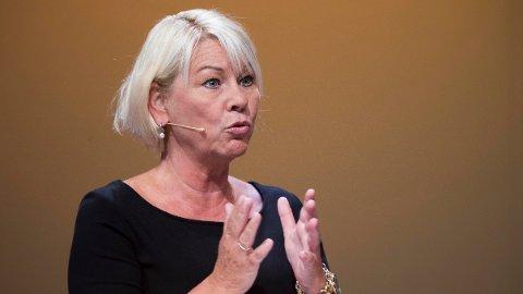 Kommunal- og moderniseringsminister Monica Mæland (H) vil teste ut anonymiserte jobbsøknader i flere statlige etater.