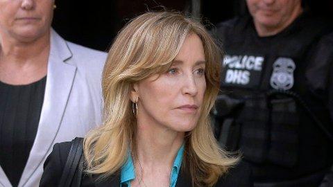 MULIG FENGSEL: Skuespiller Felicity Huffman har sagt seg skyldig i opptaksjuks og kan forvente fengselstid.