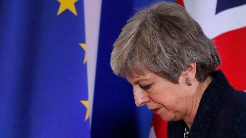 EU går nok en gang med på å utsette skilsmissen. Årsaken er at statsminister Theresa May sliter med å få brexit-avtalen godkjent i Underhuset.