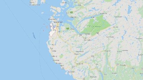 En bolig på Sola i Rogaland er evakuert etter funn av eksplosiver. Foto: Google Maps