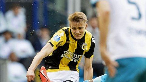 ASSISTKONGE: Martin Ødegaard vartet opp med to målgivende pasninger da Vitesse slo Zwolle 2-1.