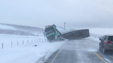 Regjeringen vil utvise utenlandske vogntogsjåfører som bryter trafikkreglene. Foto: Hanne Gulbrandsen Jakobsen / NTB scanpix